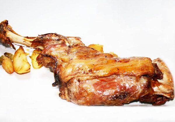 Paletilla de ternasco de Aragón Restaurante El Cierzo